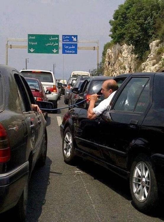 Personas que disfrutaron estando atorados en el tráfico (2)