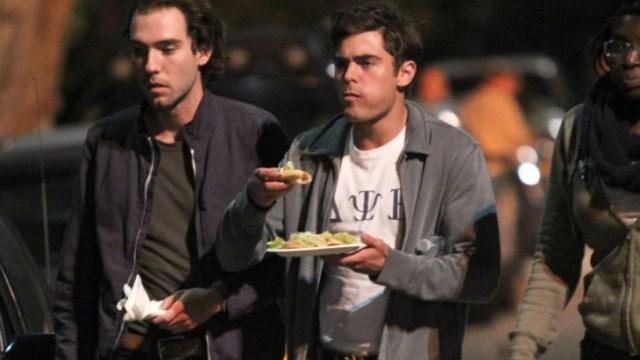 Famosos comiendo Zac Efron