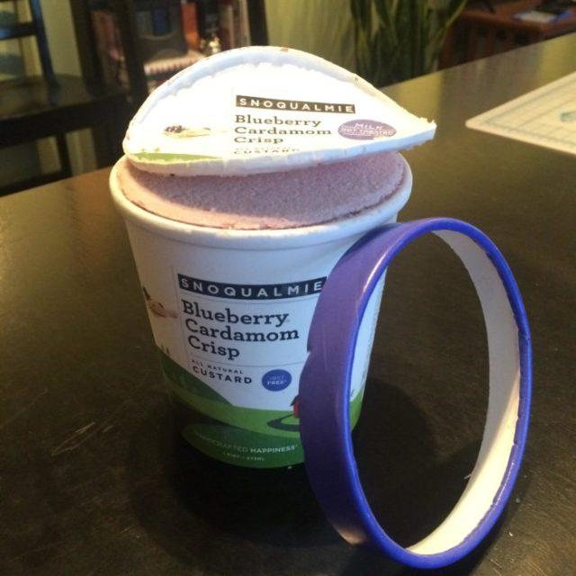helado con la tapa descompuesta