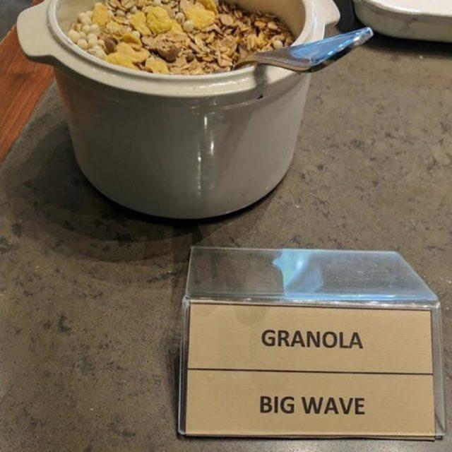 granola con traducción que afirma big wave