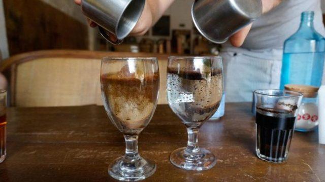 dos copas con café