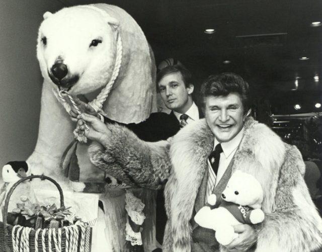 donald trump con oso 1990