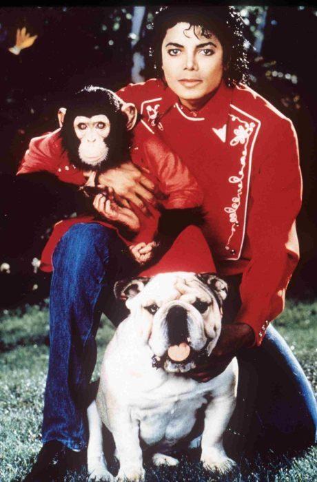 Michael Jackson con mono