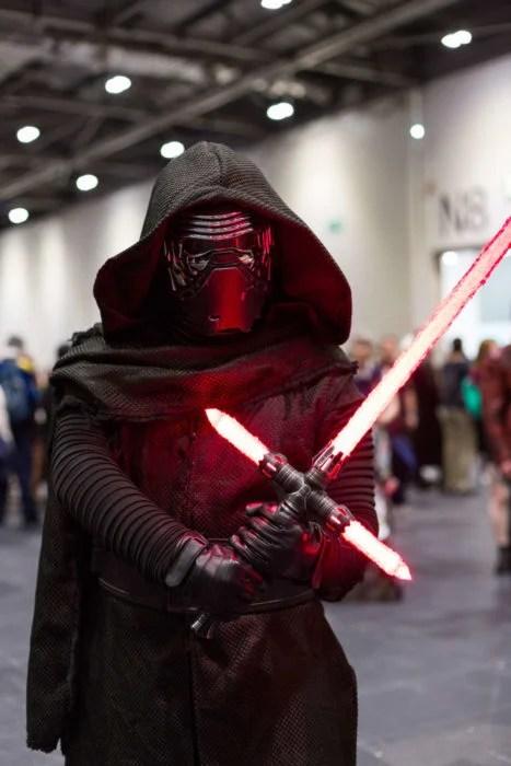 Kylo Ren star wars cosplay
