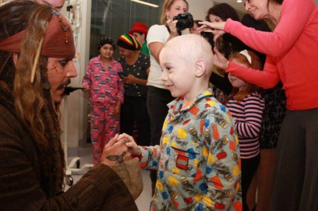 visita hospitales cual Jack Sparrow