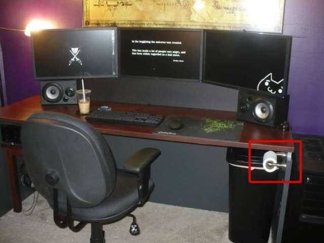 Vida en 3017 - escritorio de un gamer