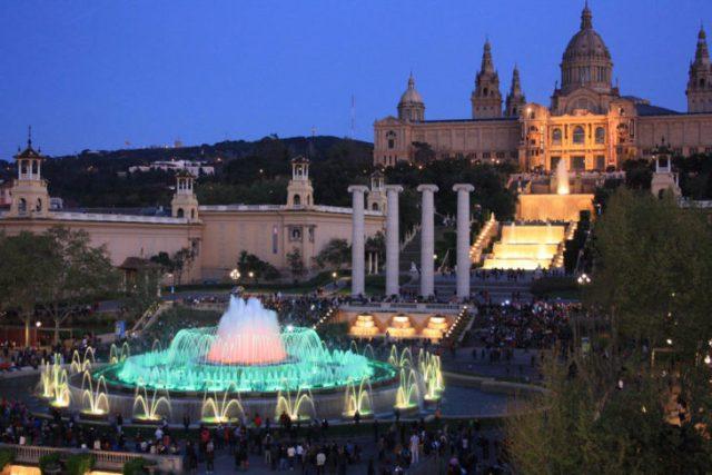 hermosas fuentes del palacio de Montjuïc