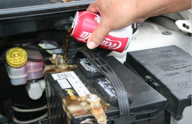 limpia bateria de autos