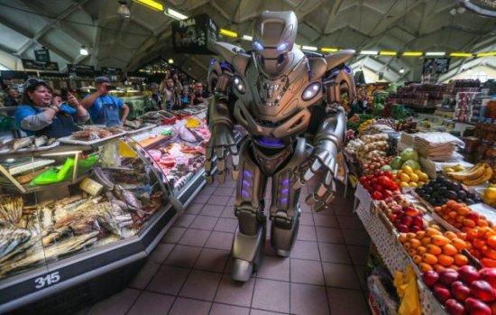 robot en el supermecado