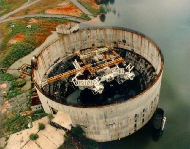 plangta nuclear fue usada para usarse cual submarino para el abismo