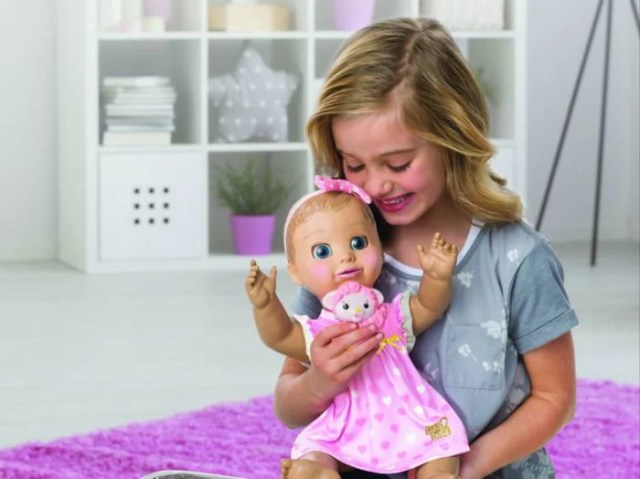muñeca diabólica juguete niña
