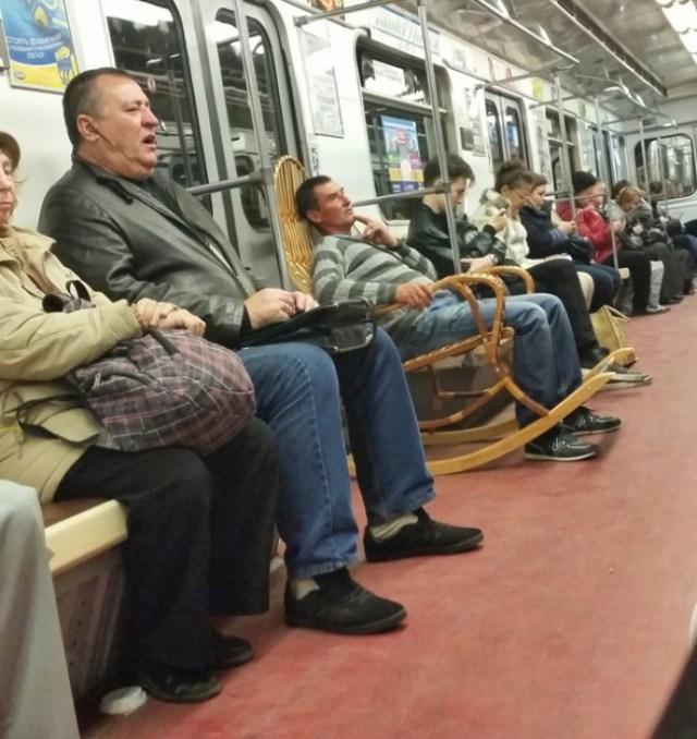 Mecedor en el metro