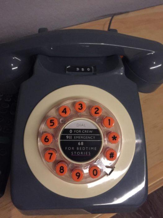 Teléfono para oír historias