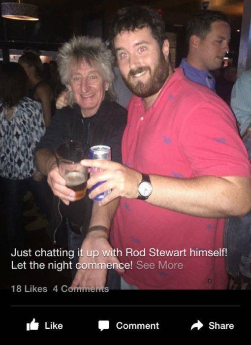 Rod Stewart en un bar