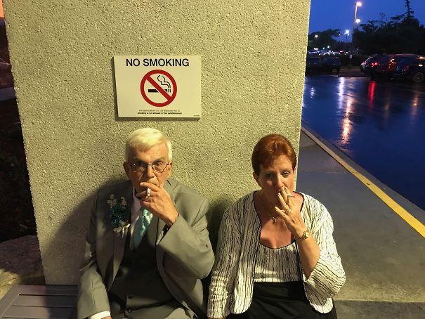 fumando donde no se debe