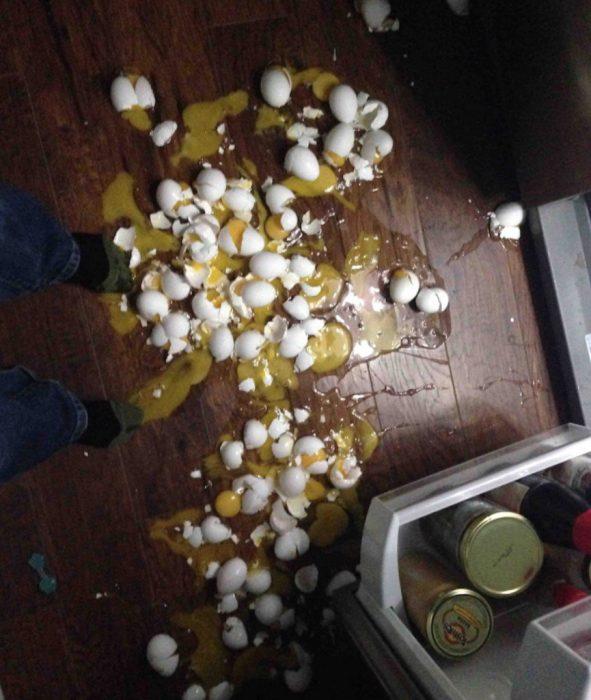 se le caen los huevos