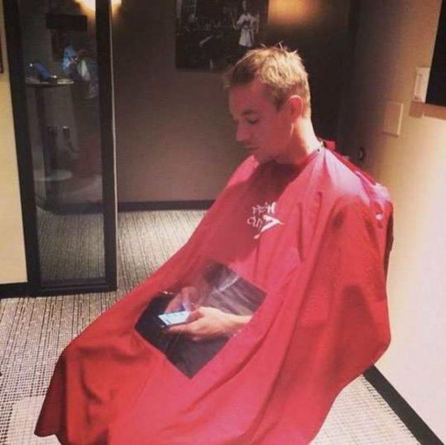 capa para cortarse el pelo