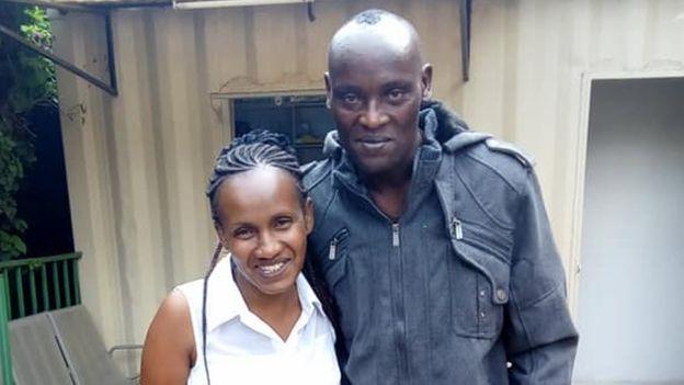 hombre y mujer kenianos