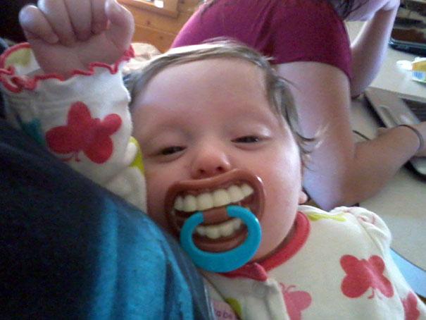 bebé dientes