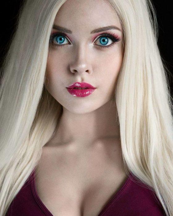 Barbie cosplay modelo rusa