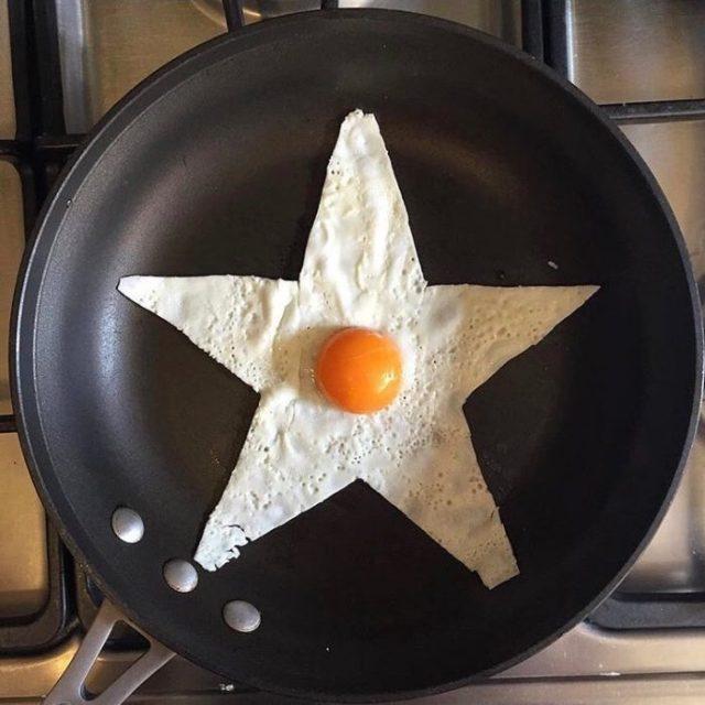Huevo estrellado