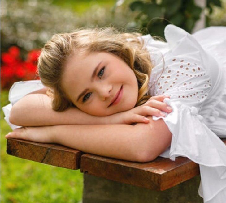muchacha sonriendo