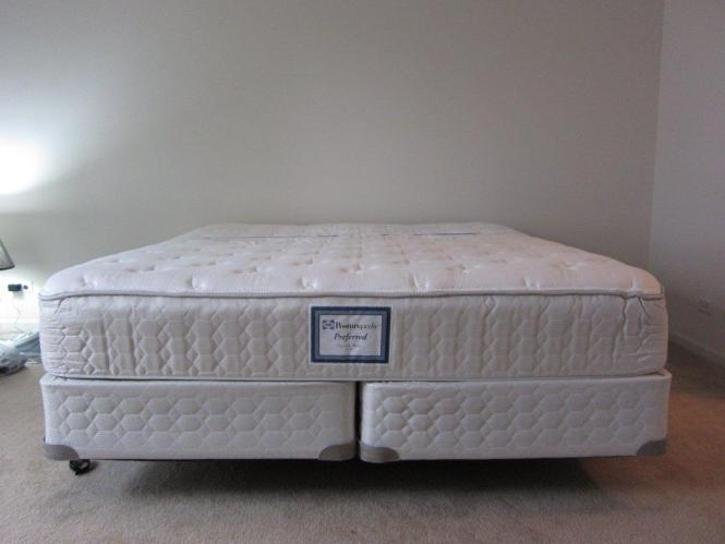 Here S The Mattress With Quilted Cover Led Back Area Has Solid Foam And Everywhere Else Is Sculptured Aly Part Doesn T Do