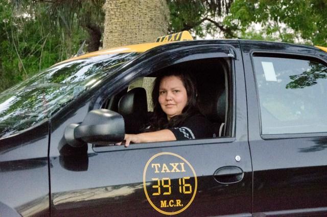 Conocé a María Eva Juncos, la creadora de una aplicación de taxis que conecta conductoras mujeres con pasajeras   RED/ACCIÓN