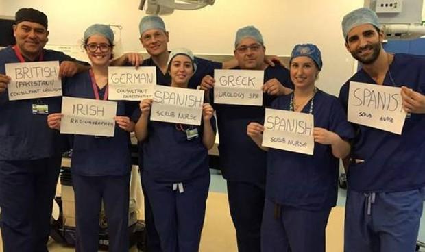 Un equipo de médicos reivindicaba la importancia de la inmigración para el NHS