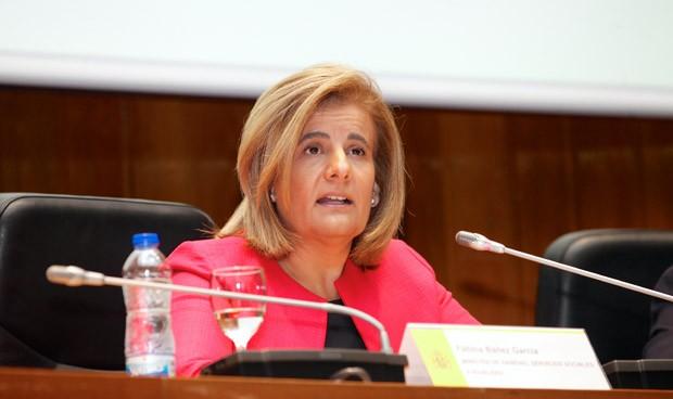 Fátima Báñez, ministra de Empleo y titular del despacho ordinario del Ministerio de Sanidad, Servicios Sociales e Igualdad.