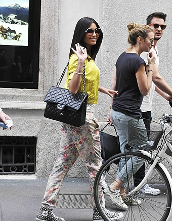 Velina Federica Nargi con borsa Chanel