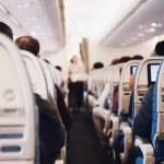 Puede viajar un niño solo en avión a Estados Unidos
