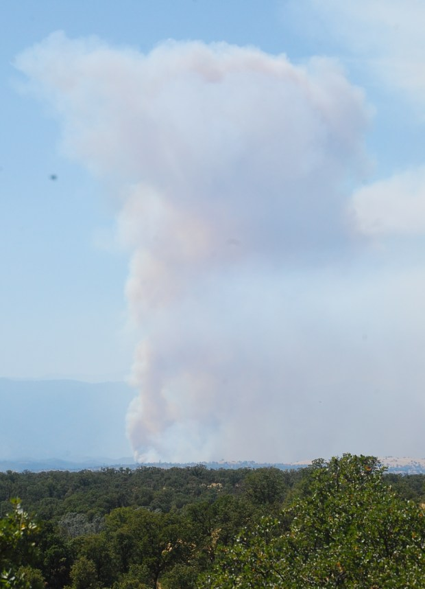 Red Bank Fire west of Red Bluff grows to 8,838 acres, 15