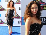 Rose McGowan In Dolce & Gabbana - 2011 VH1 Do Something Awards