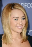 Miley Cyrus in Zimmermann
