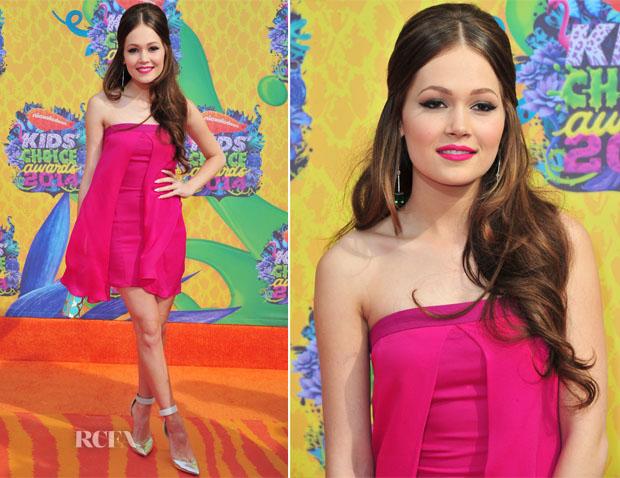 Kelli Berglund In Armani - Nickelodeon Kids' Choice Awards 2014