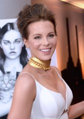 Kate Beckinsale in Zimmermann