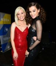 Elizabeth Banks In Jeffrey Dodd and Hailee Steinfeld In Tom Ford