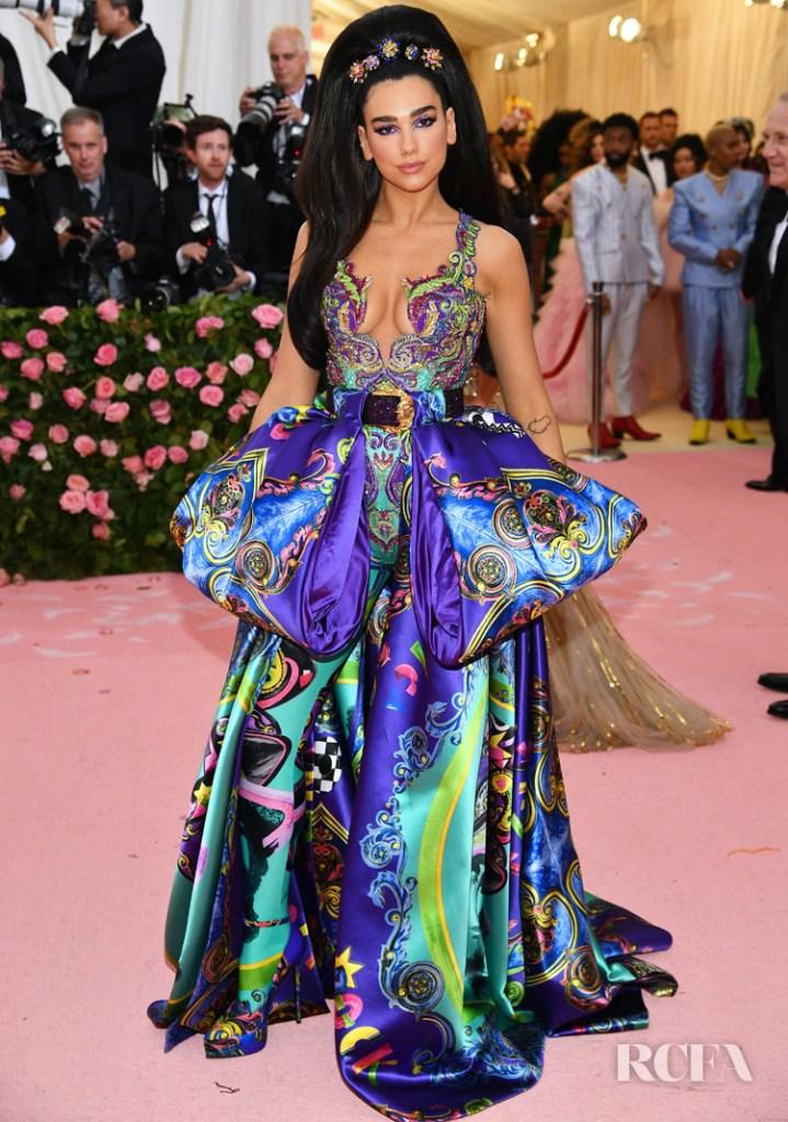 Dua Lipa In Atelier Versace - 2019 Met Gala - Red Carpet Fashion ...