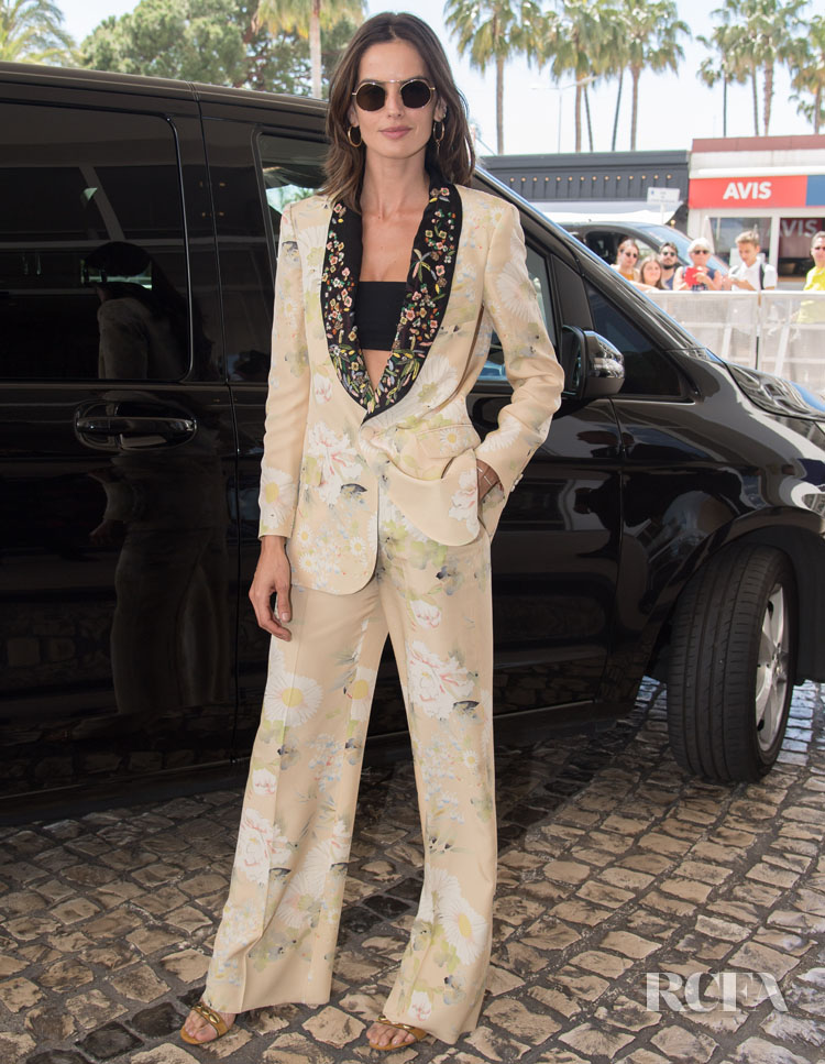 Izabel Goulart Is The First To Arrive For Cannes Film Festival