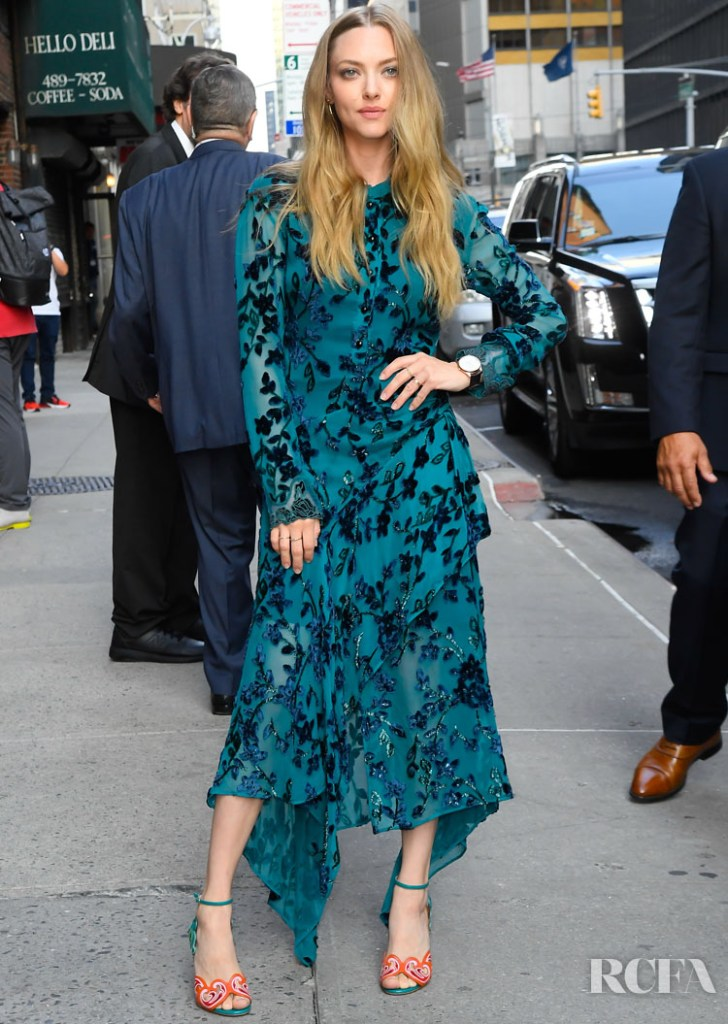 Amanda Seyfried Makes A Stylish Appearance On 'The Late Show with Stephen Colbert'