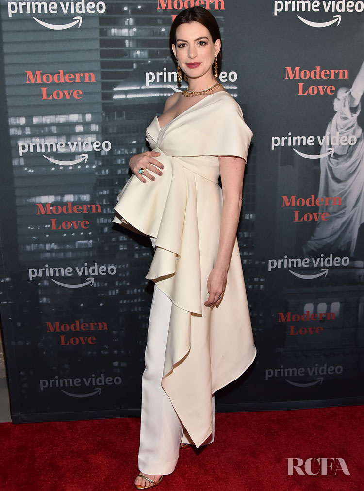 Anne Hathaway Brings Her Maternity Style To Amazon's 'Museum Of Modern Love' LA Premiere