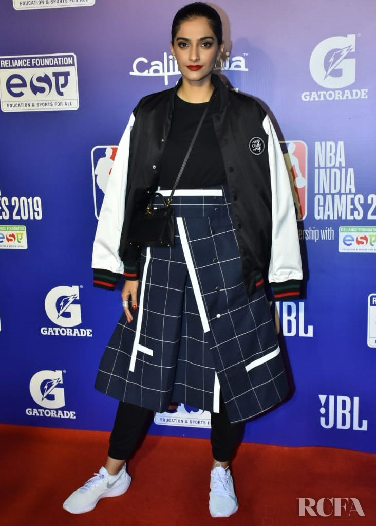Sonam Kapoor Showcases A Different Side To Her Style At The NBA India Games