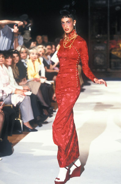 Kim Kardashian In Vintage Christian Dior - American Influencer Awards