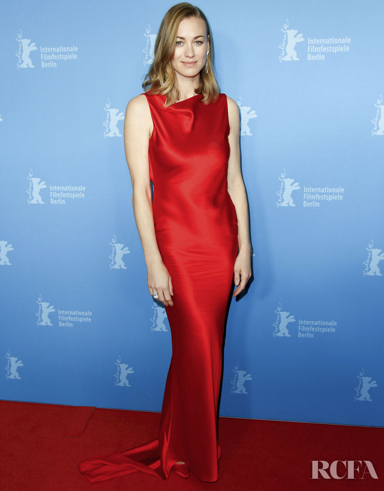 Yvonne Strahovski Wore Etro To The 'Stateless' Berlinale Film Festival Premiere