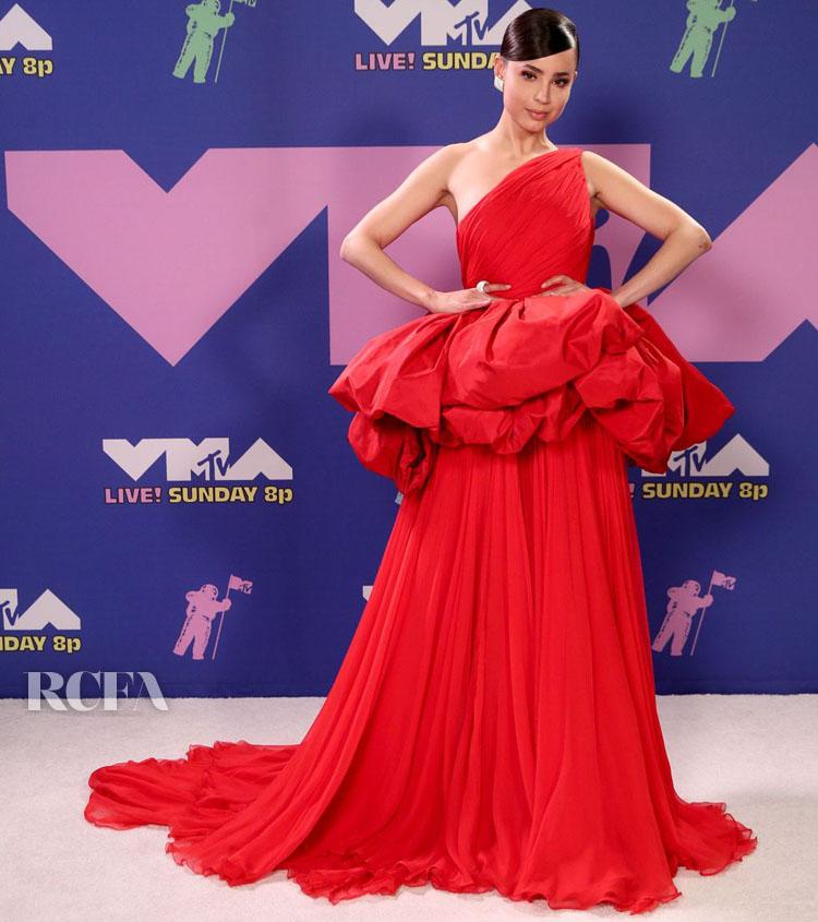 Sofia Carson Wore Giambattista Valli Haute Couture To The 2020 MTV Video Music Awards