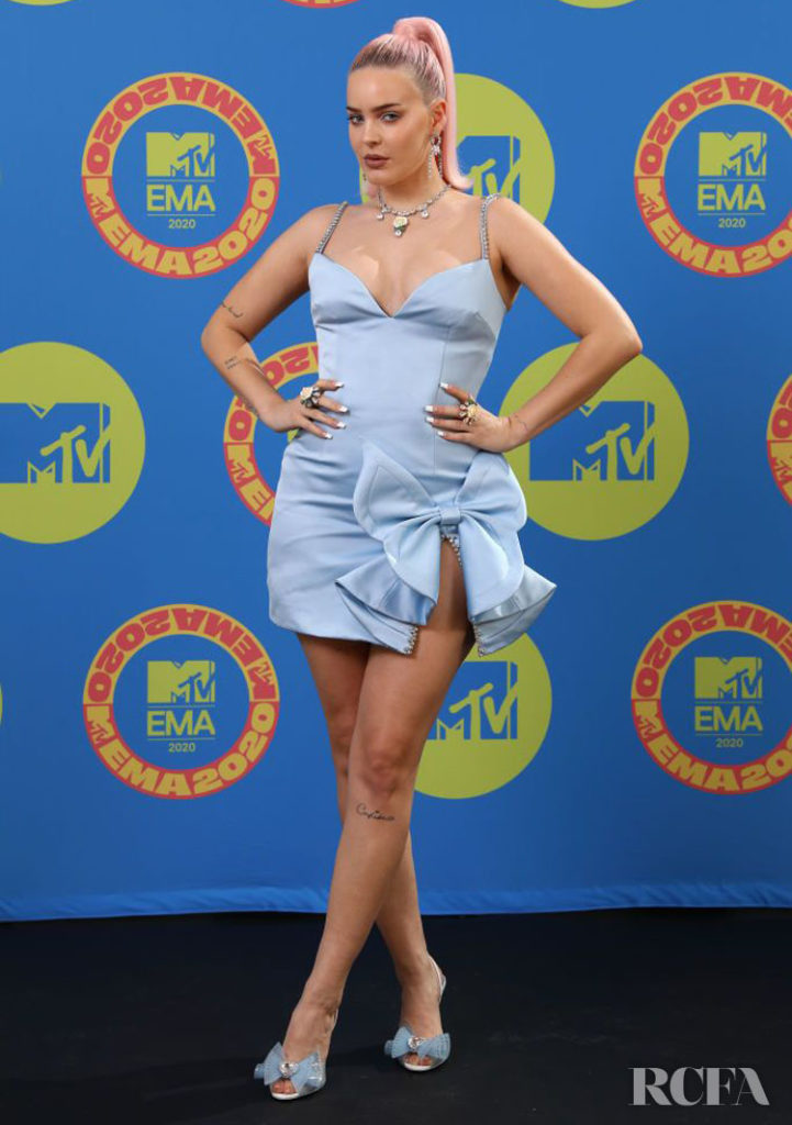 Anne-Marie Wore Area To The 2020 MTV EMAs