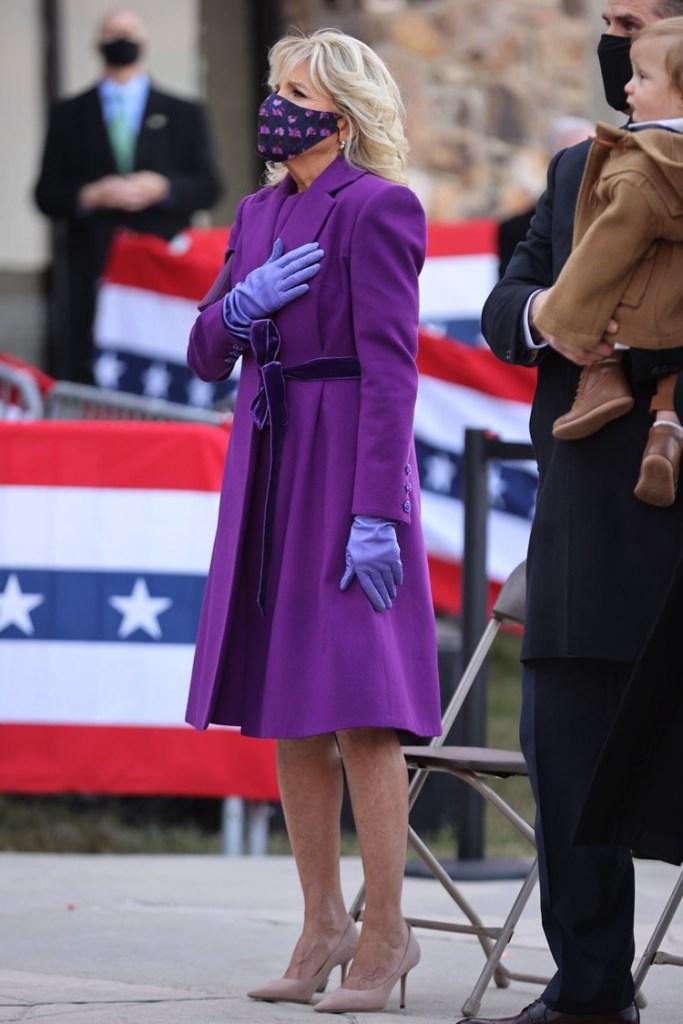 Jill Biden, Jill Biden Purple Coat, Jill Biden First Lady, First Lady Fashion, Jill Biden Jonathan Cohen, Jonathan Cohen Fall 2021,