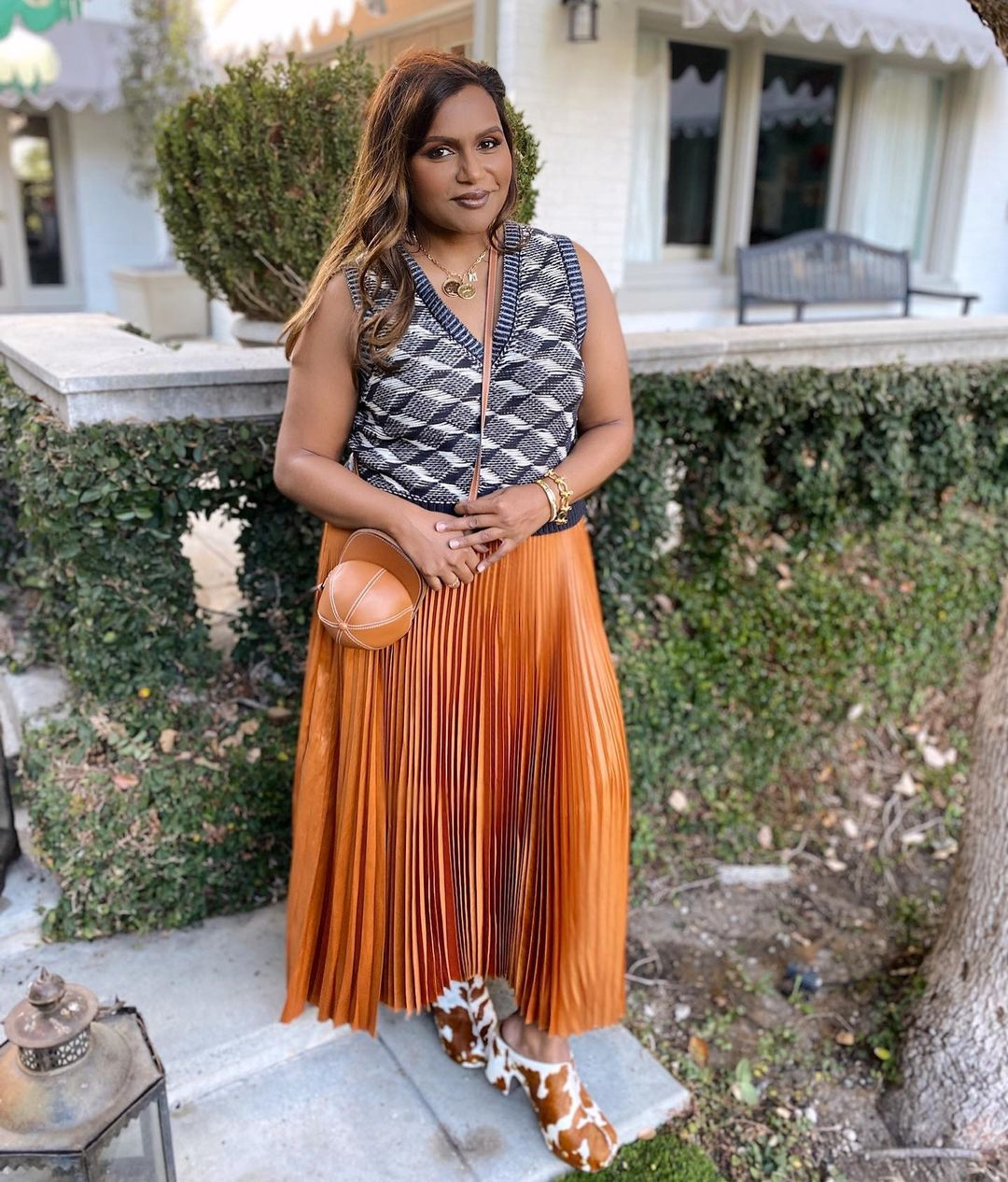 Mindy Kaling Knows The Power Of Fun Accessories