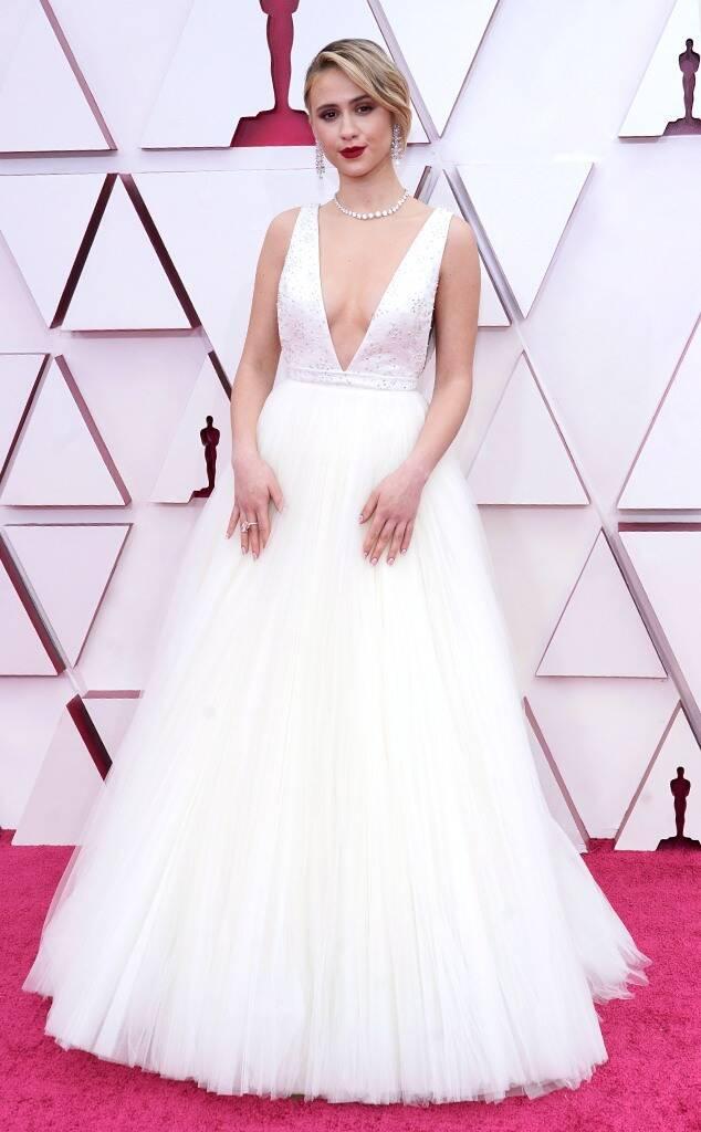 Maria Bakalova Wore Louis Vuitton To The 2021 Oscars